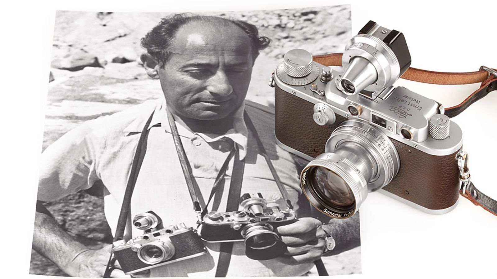 Eisenstaedt's 'Kiss in Times Square' Leica camera goes to