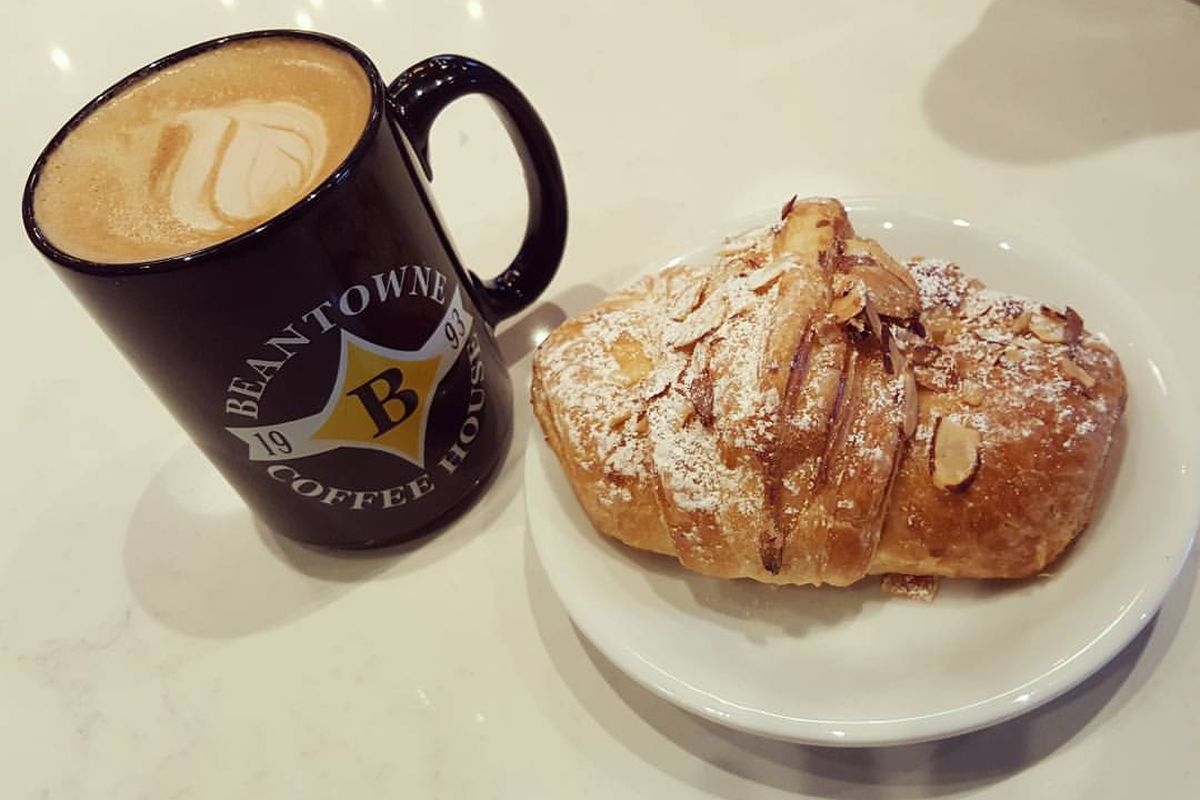 BeanTowne coffee and croissant