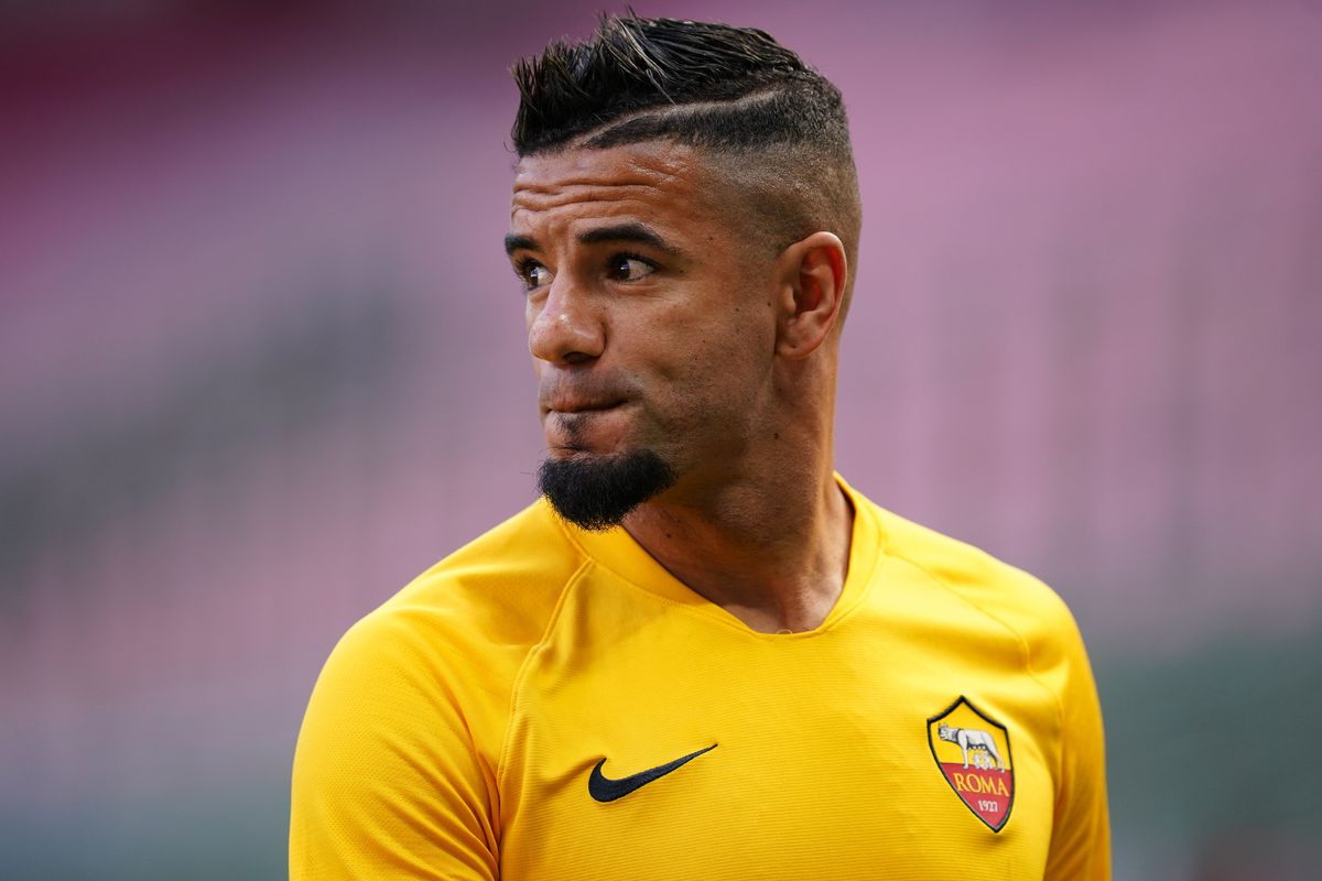 Bruno Peres of As Roma looks on beofre the Serie A match...