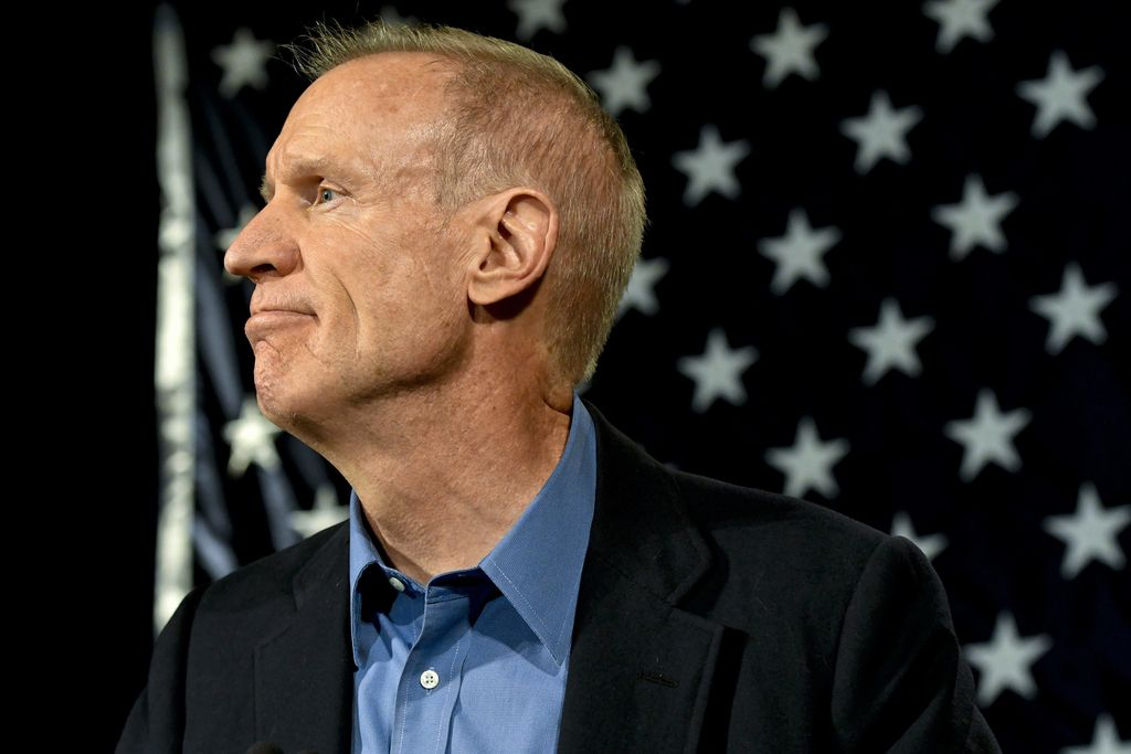 Former Gov. Bruce Rauner logged receiving just 10 gifts in his first year in office, 2015.