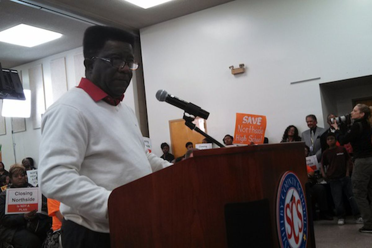 M-SCEA President Keith Williams voices opposition to school closures earlier this year during a board meeting.