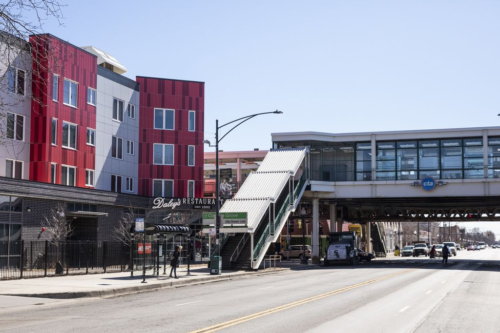 After one potential restaurant tenant changed its plans, Daley's Restaurant moved into the Woodlawn Station residential and retail development last month. | Ashlee Rezin/Sun-Times