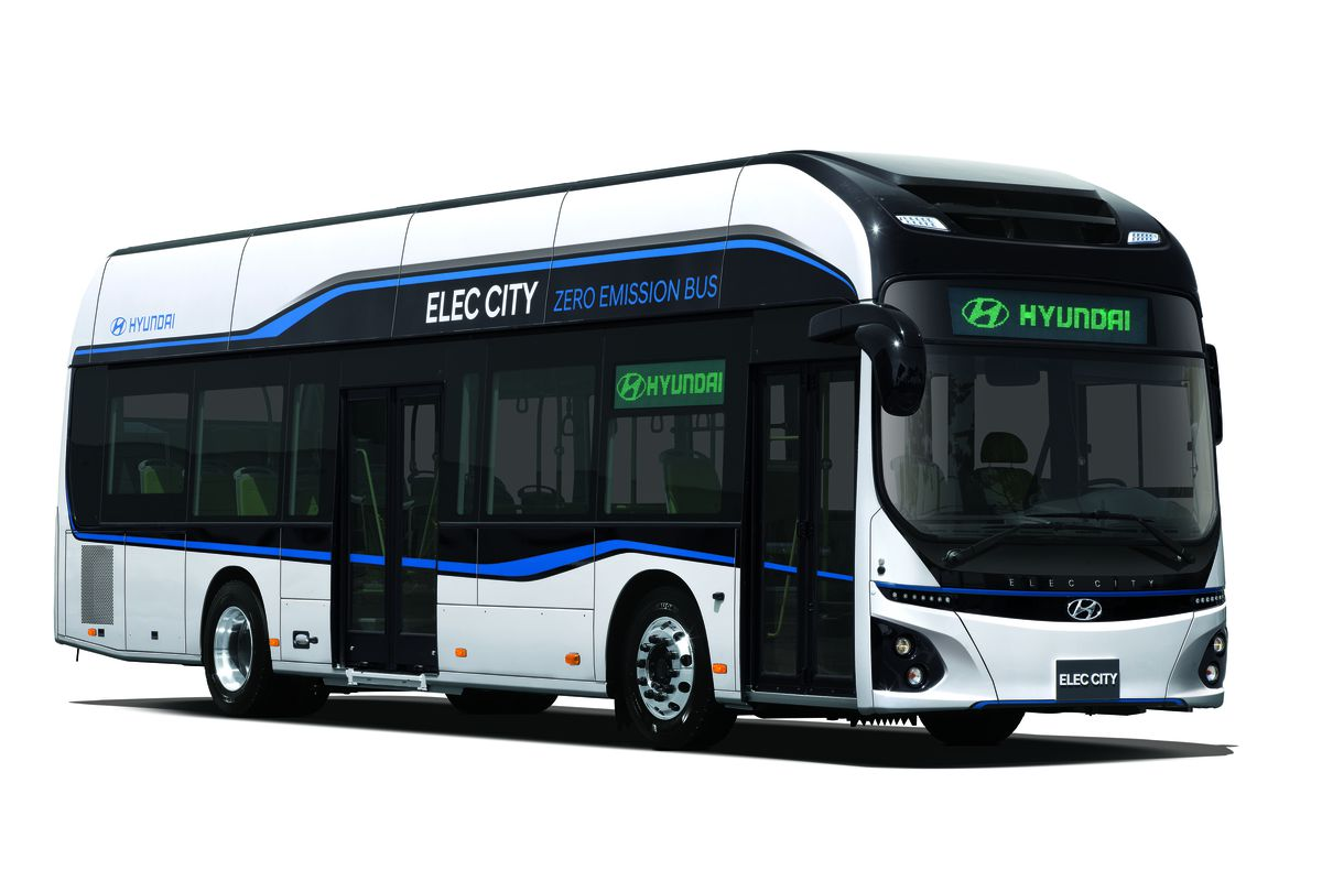 hyundai s new electric bus has 180 miles of range and fully charges in an hour the verge. Black Bedroom Furniture Sets. Home Design Ideas