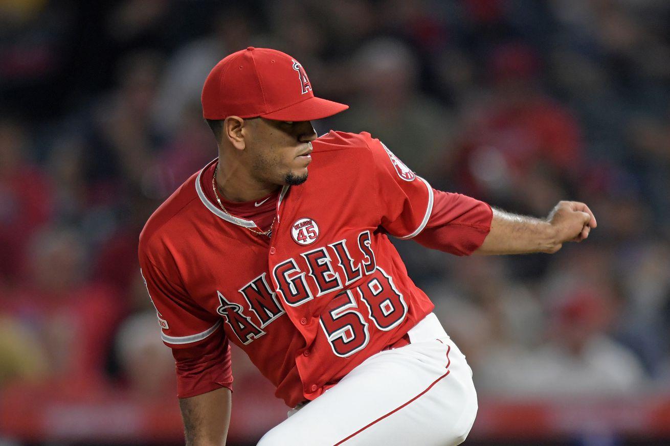 MLB: AUG 28 Rangers at Angels