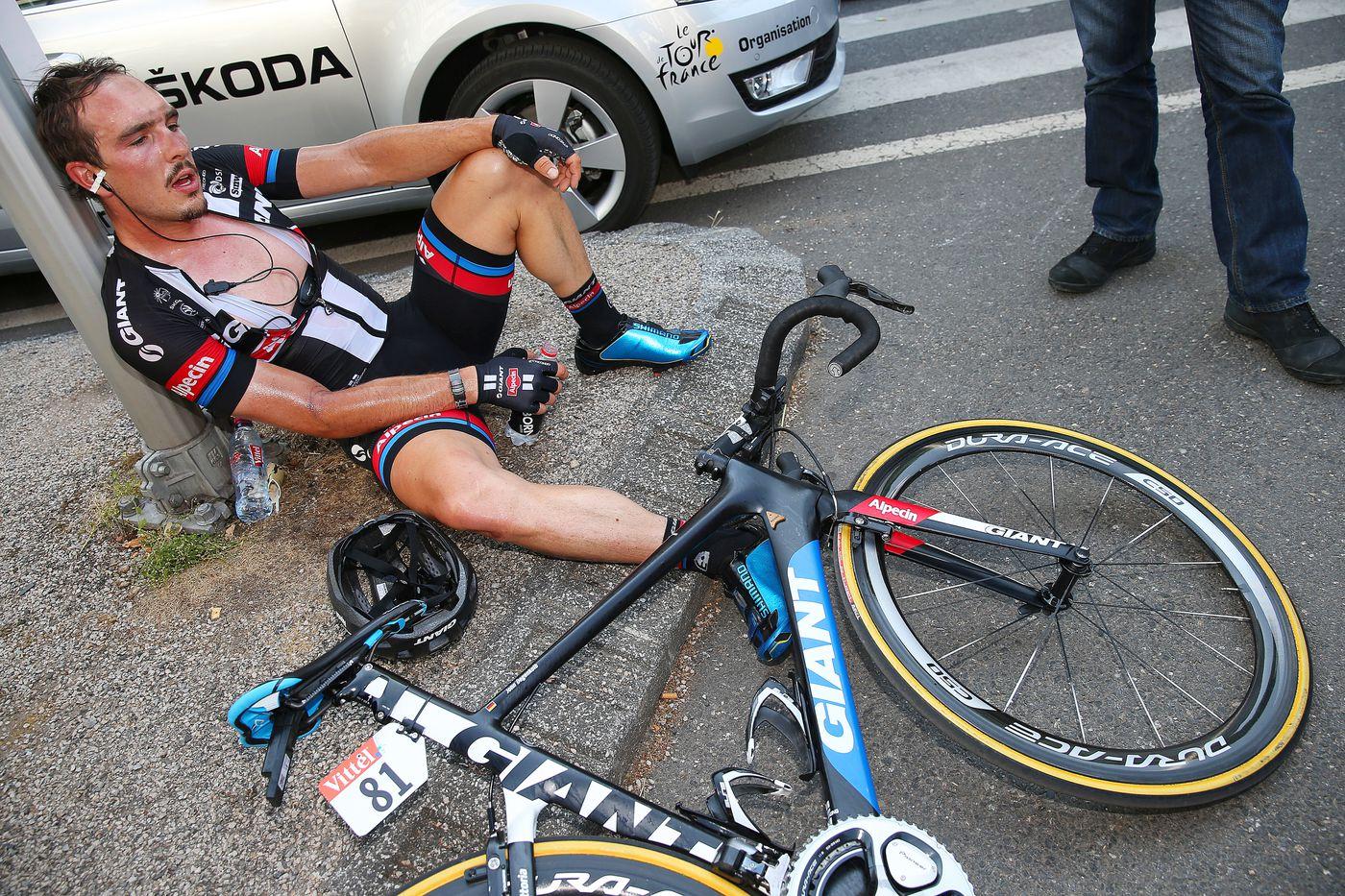Tour de France riders put their bodies through hell. An expert ...