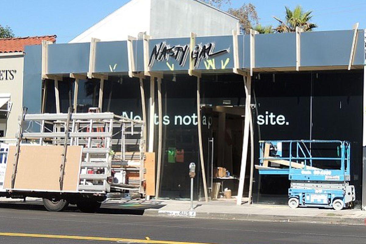 "Image <a href=""http://www.apparelnews.net/news/2014/nov/05/first-look-nasty-gal-store-melrose/"">via</a>"