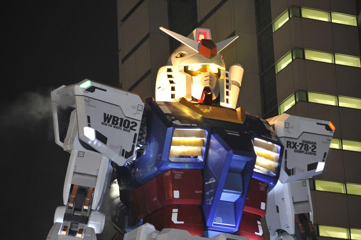 A photo of the 18-meter tall Gundam statue in Shizuoka city