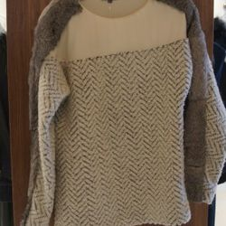 Sachin + Babi Parker Top in Ivory Twill<br />What's not to love about an apres ski chic sweater with fur detail?! This sachin+babi top looks picture perfect with black leggings and rugged riding boots.<br />Originally $520, marked down to $415, with 60% o