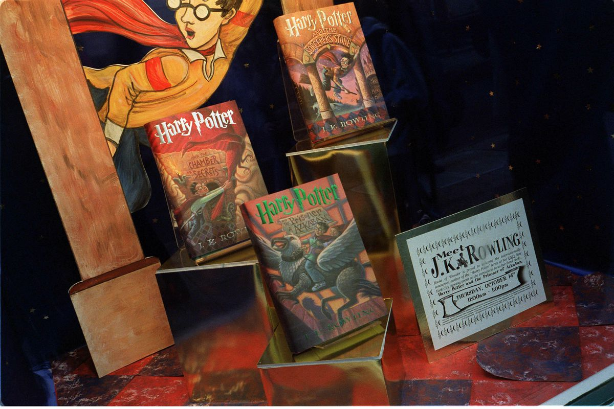 Harry Potter book display from 1999