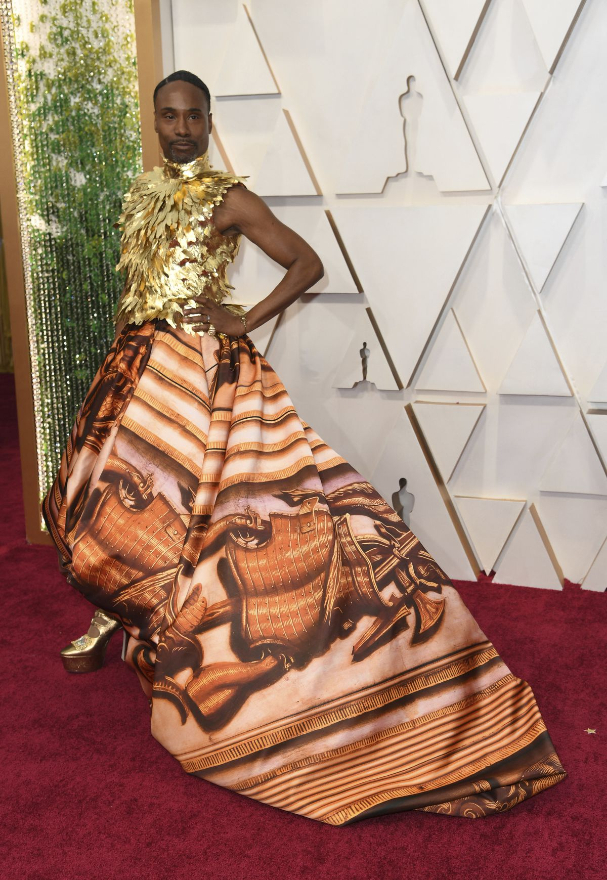 Billy Porter arrives at the Oscars on Sunday night, wearing Giles Deacon Couture.