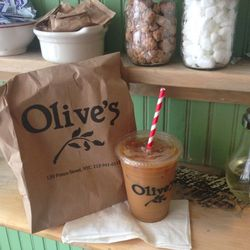 Stop by <strong>Olive's</strong> on my way home for my usual iced coffee (sidebar: how cute are the red and white straws?!) and roasted mushroom sandwich with herb ricotta (so delicious).