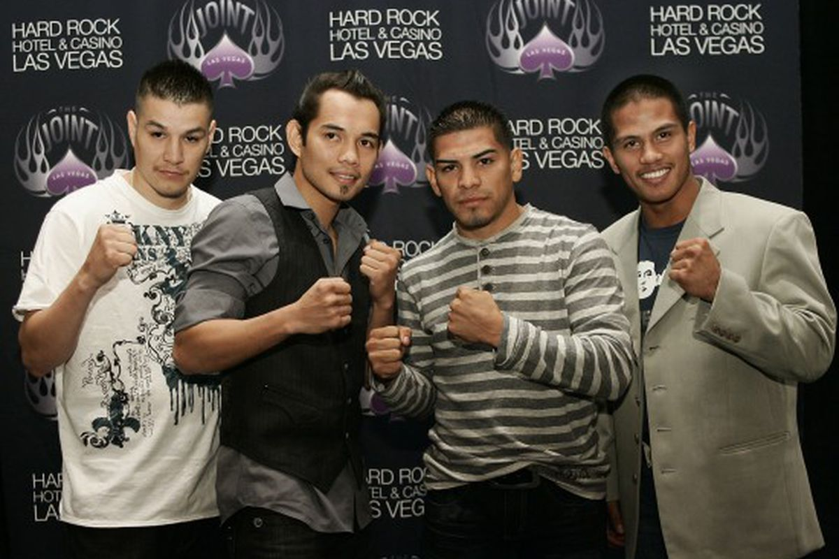 """via <a href=""""http://www.cyberboxingzone.com/blog/wp-content/uploads/2009/07/pinoy-power-2-pc-90701_001a-550x377.jpg"""">www.cyberboxingzone.com</a>"""