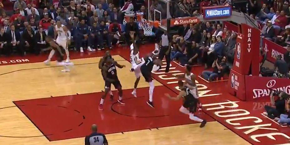 Carmelo_rebound