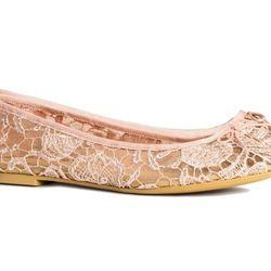 "<b>H&M</b> Ballet Flats, <a href=""http://www.hm.com/us/product/13133?article=13133-C"">$17.95</a>"
