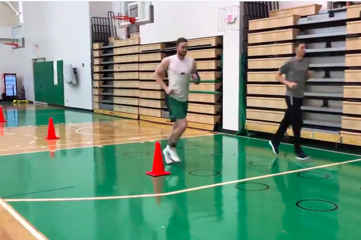 Gordon Hayward Keeps Teasing Us With His Injury Rehab Sbnation Com