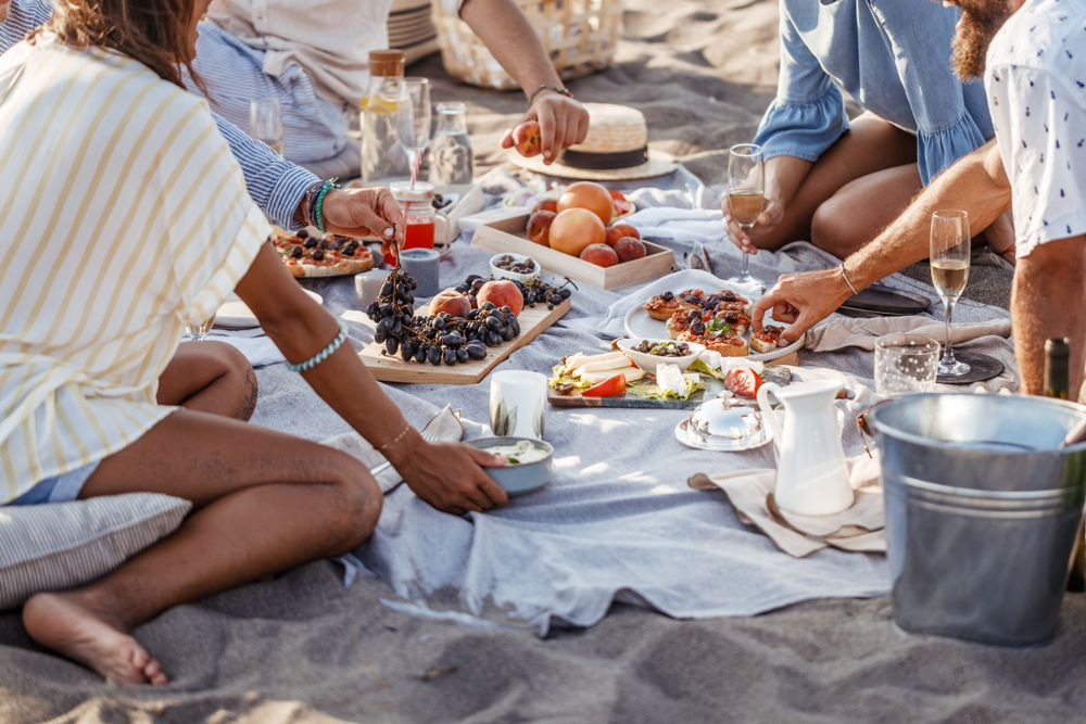 The Ultimate Guide to Packing a Beachside Picnic - Eater