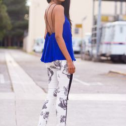 """Sheryl of <a href=""""http://www.walkinwonderland.com """"target=""""_blank"""">Walk in Wonderland</a> is wearing an <a href=""""http://us.asos.com/countryid/2/ASOS-Cami-With-Contrast-Skinny-Straps/10vq23/?iid=3017176&cid=4169&sh=0&pge=0&pgesize=9999&sort=-1&clr=Camel&"""