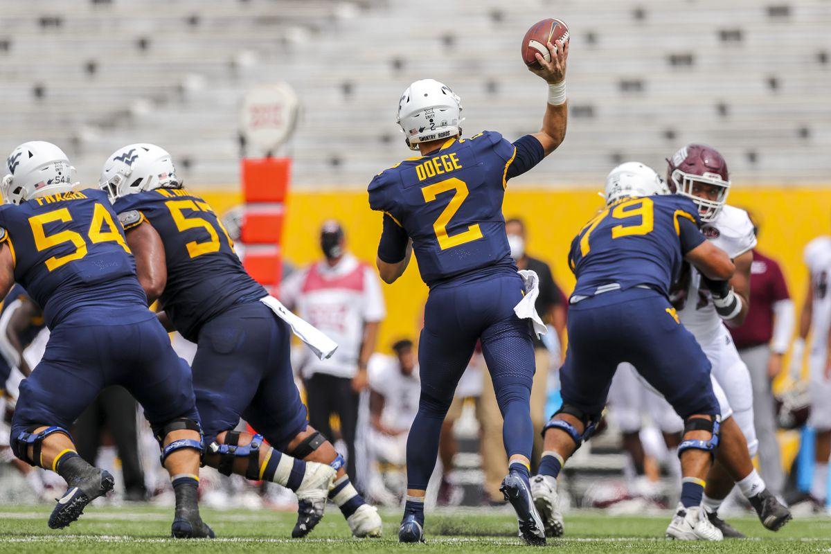 NCAA Football: Eastern Kentucky at West Virginia