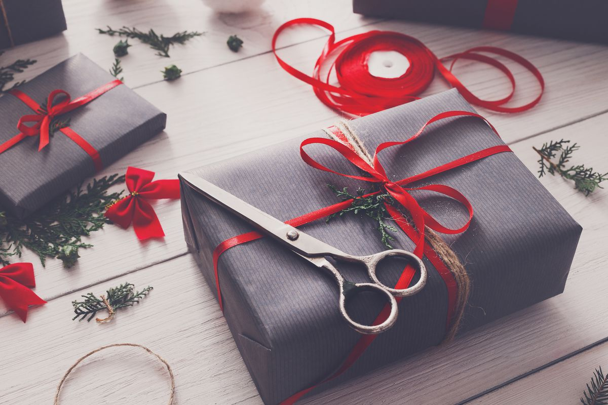 6 Tips For Wrapping The Perfect Present Curbed