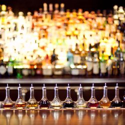 """<a href=""""http://ny.eater.com/archives/2014/08/nomad_bar_restaurant_review.php"""">Food Can't Stand Up to the Drinks at The NoMad Bar</a>"""
