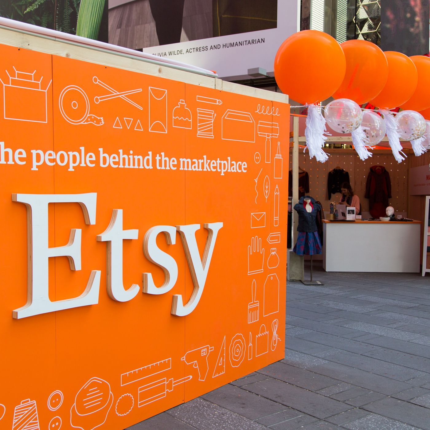 Etsy Is Trying To Get Bigger And It S Pushing Away Small Sellers The Verge