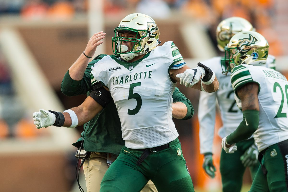 COLLEGE FOOTBALL: NOV 03 Charlotte at Tennessee