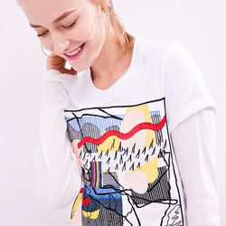 Art lovers rejoice! This abstract-printed Few Moda T-shirt will make you look like a walking work of art.
