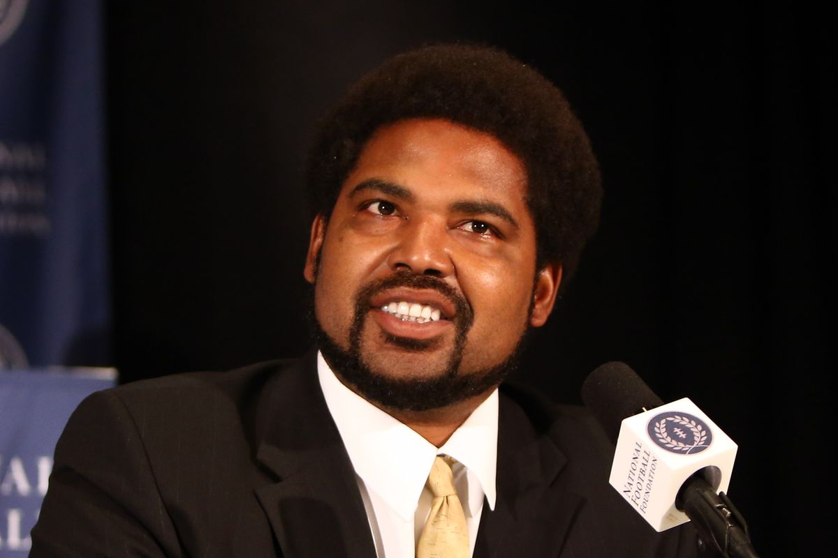 Jonathan Ogden is now officially in the Hall of Fame.