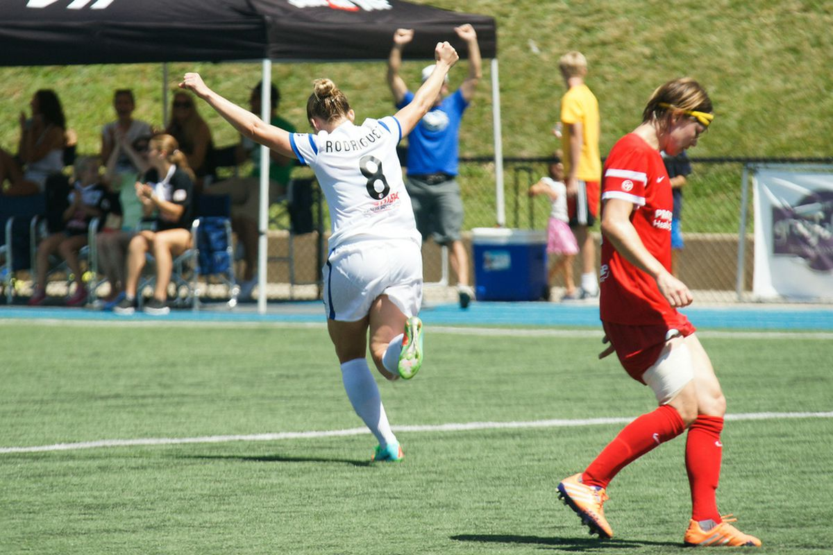 Amy Rodriguez scored the game winner for FC Kansas city to advance