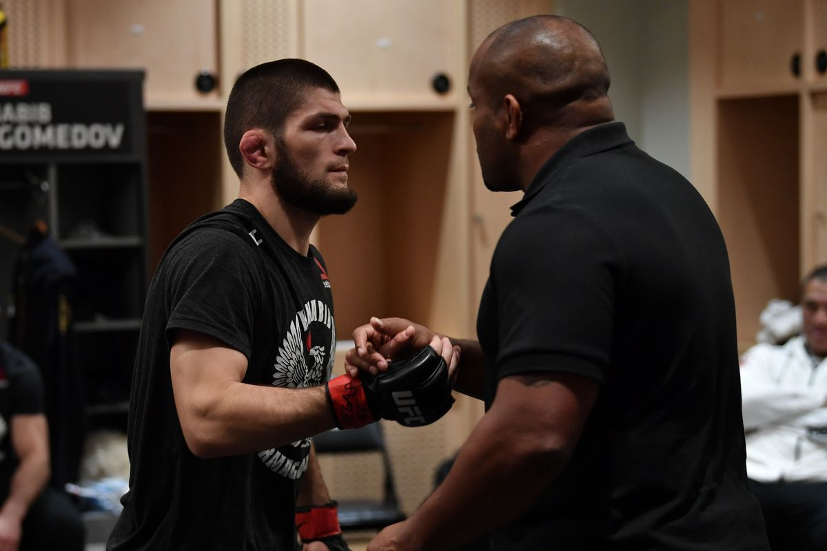 Morning Report: Daniel Cormier calls Justin Gaethje the 'toughest opponent' for Khabib Nurmagomedov - MMA Fighting