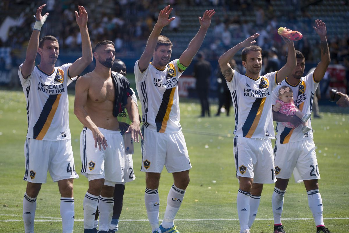 If I looked like Lletget, I'd take my shirt off a lot too.