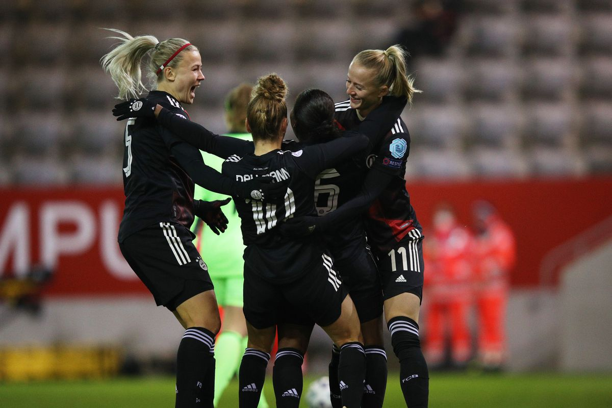 FC Bayern Women v AFC Ajax Vrouwen - UEFA Women's Champions League Round of 32: Second Leg