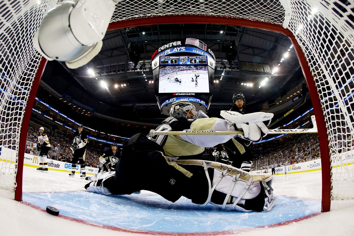 A common sight last night. Pittsburgh's defense is a sieve.