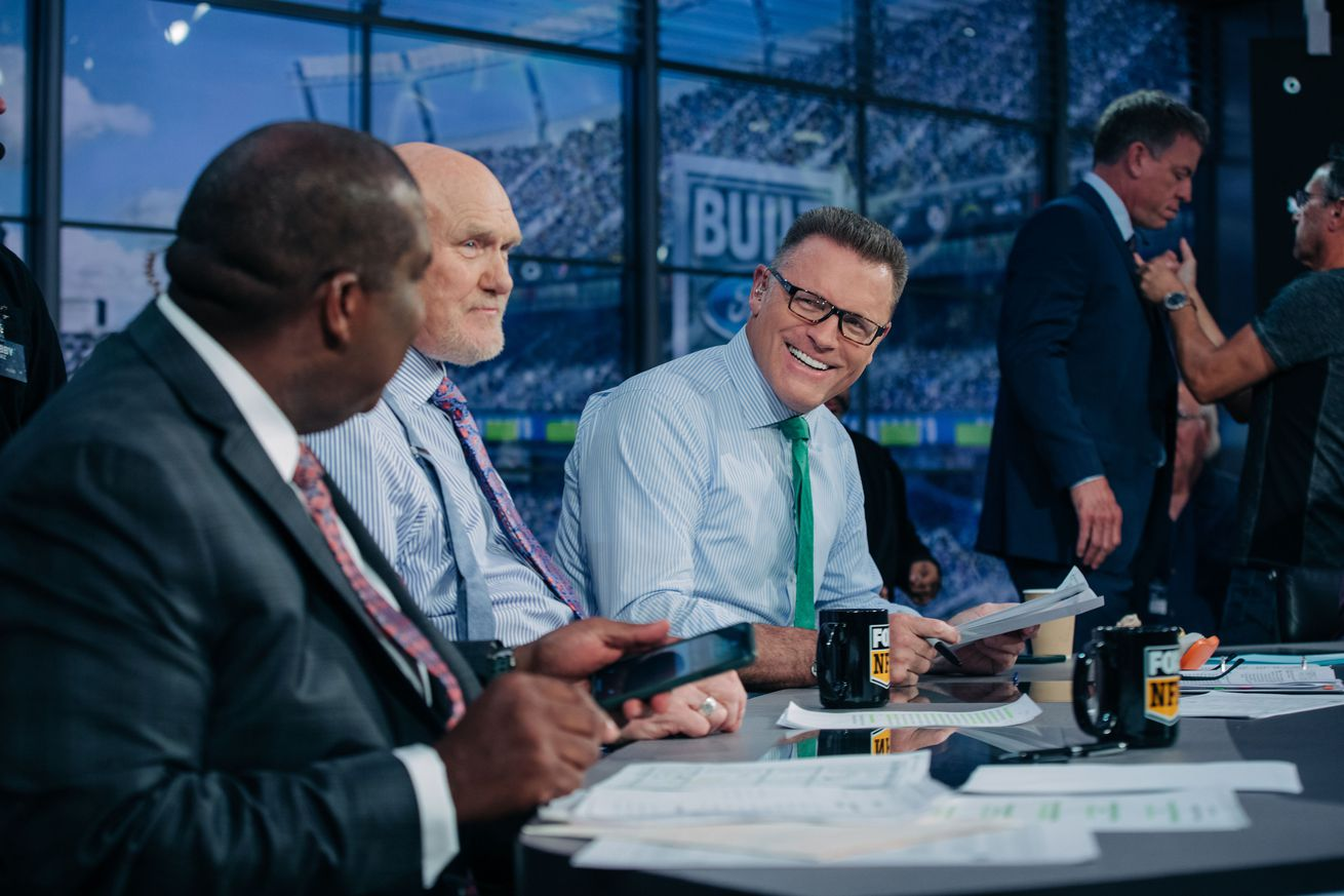 image001.0 - Football and family go hand in hand for FOX NFL Sunday's Howie Long