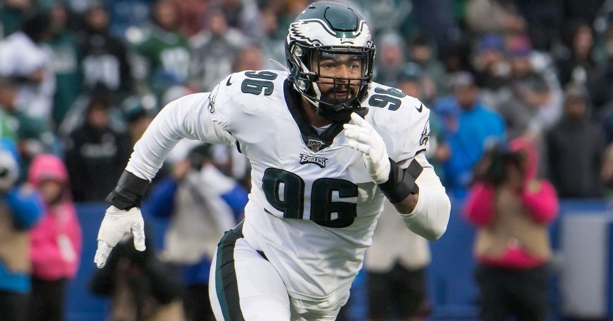 What the Eagles should do at defensive end