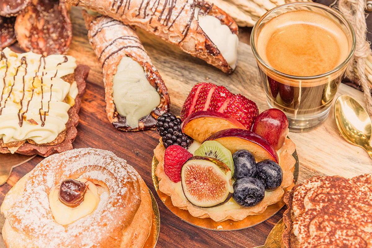 Pastries and coffee from the Zeppola Italian Bakery menu, headed to the Venetian's Grand Canal Shoppes.