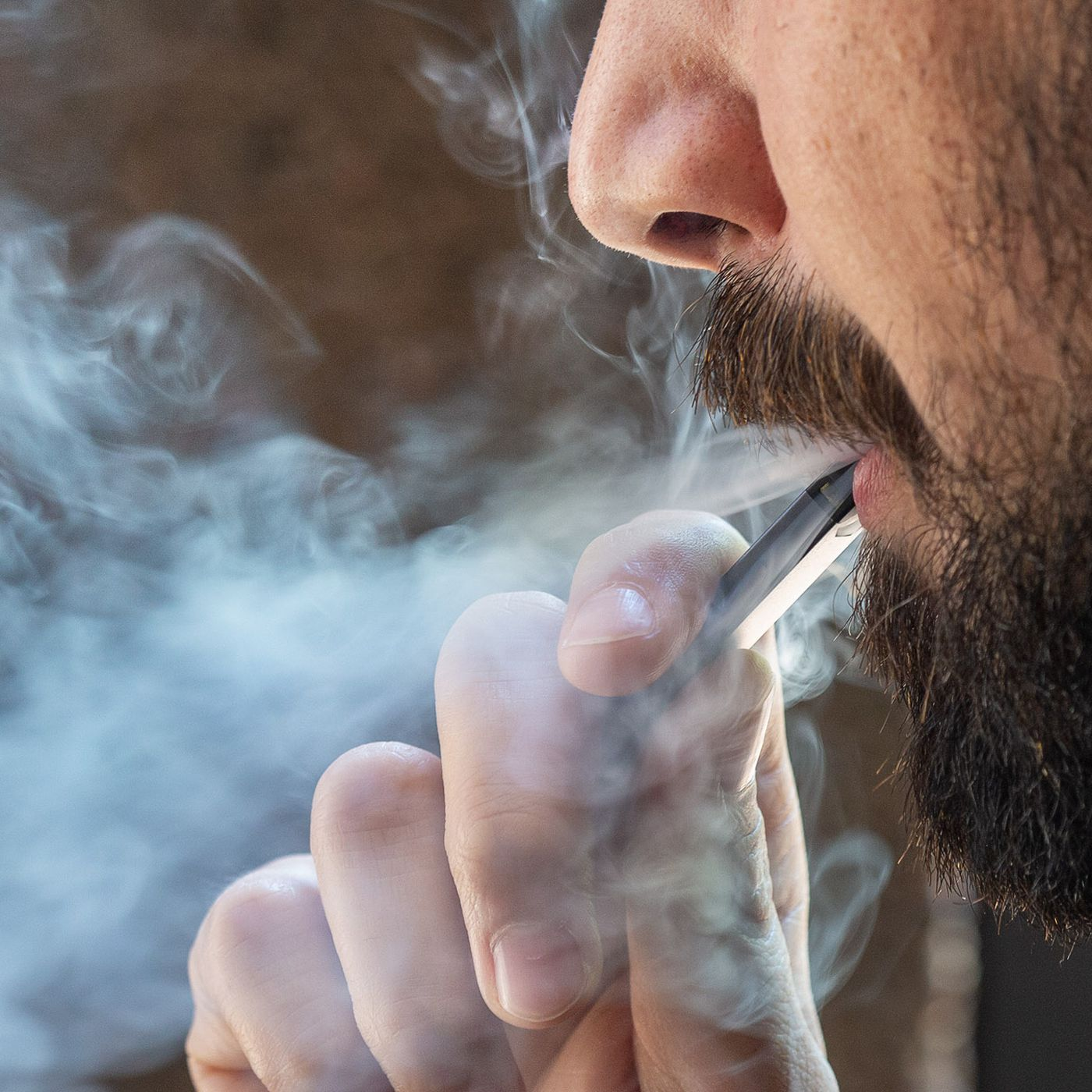 Is vaping better than smoking? Scientists studied pee to find out - The  Verge