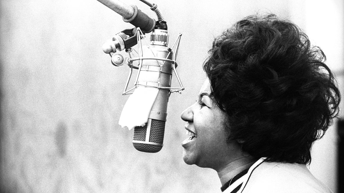 Aretha Franklin Is Dead At 76 Vox