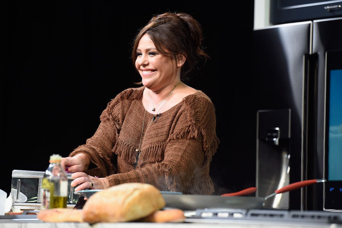 Rachael Ray Show New Season 2020.Rachael Ray S Show 30 Minute Meals Is Coming Back To Food