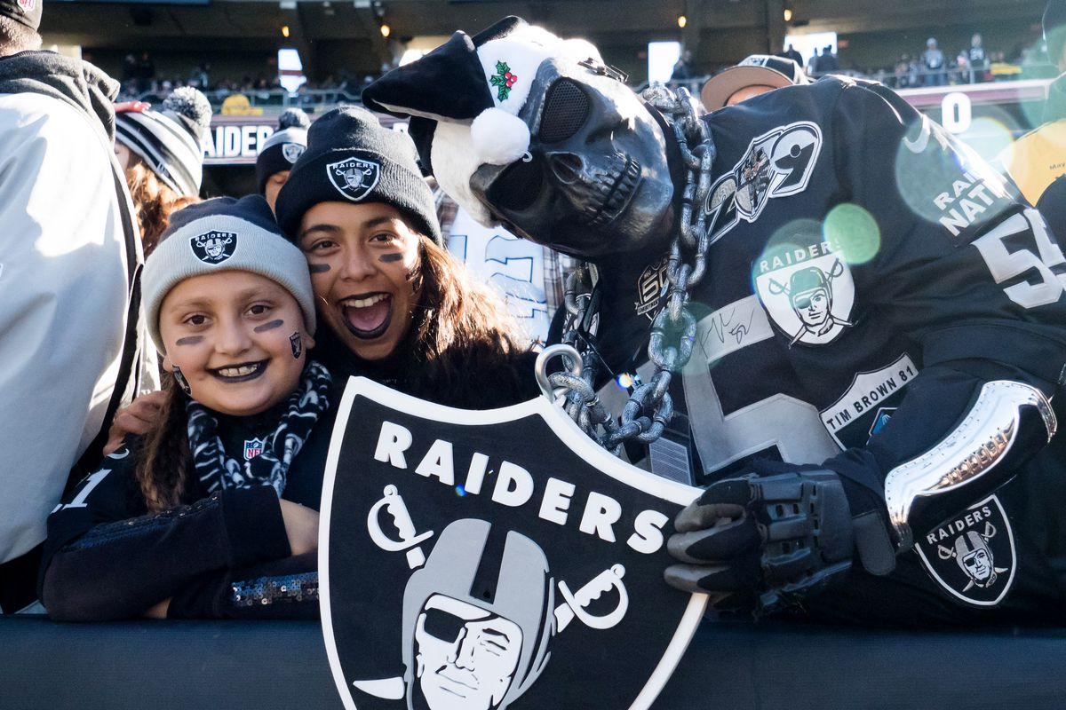 huge selection of a878d 70b5c Raiders fans suing to keep name, colors in Oakland, and they ...