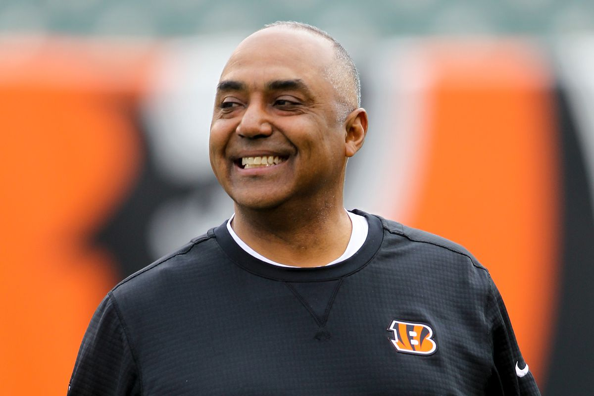 bengals football marvin lewis is either really clueless or a bad
