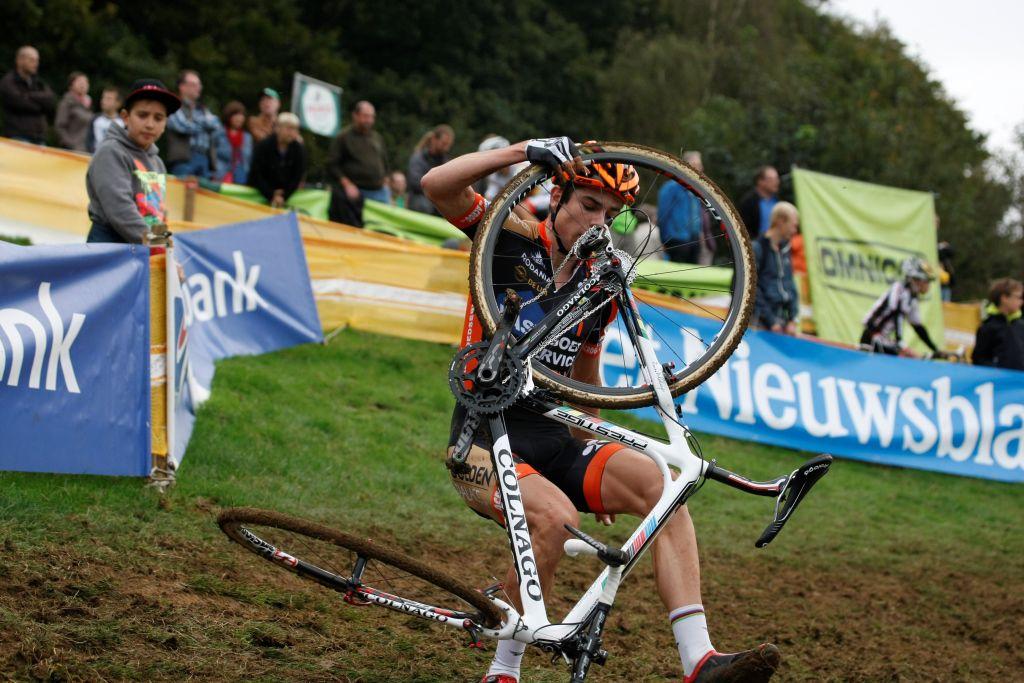 Wout Van Aert crash