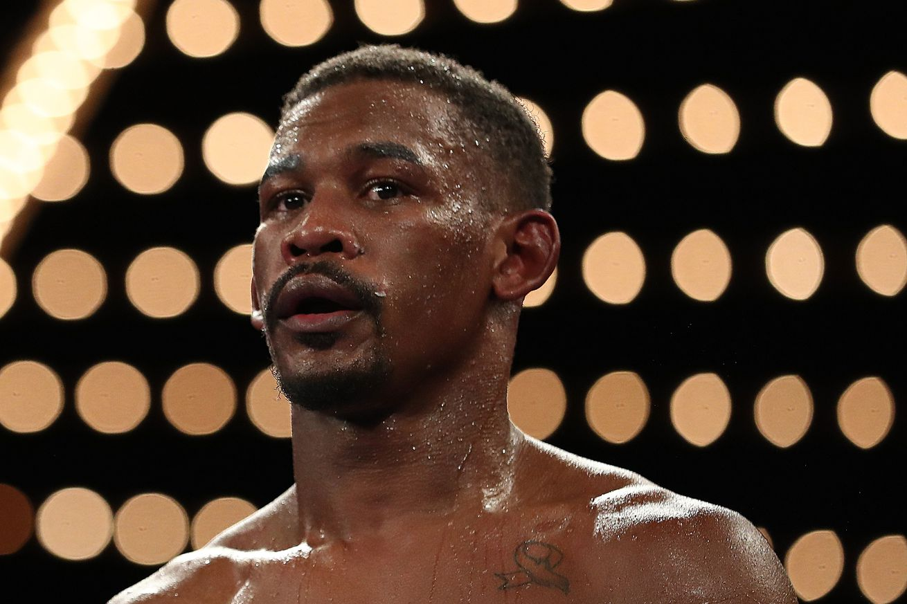 1055037728.jpg.0 - Jacobs: I have the physical advantages to beat Canelo