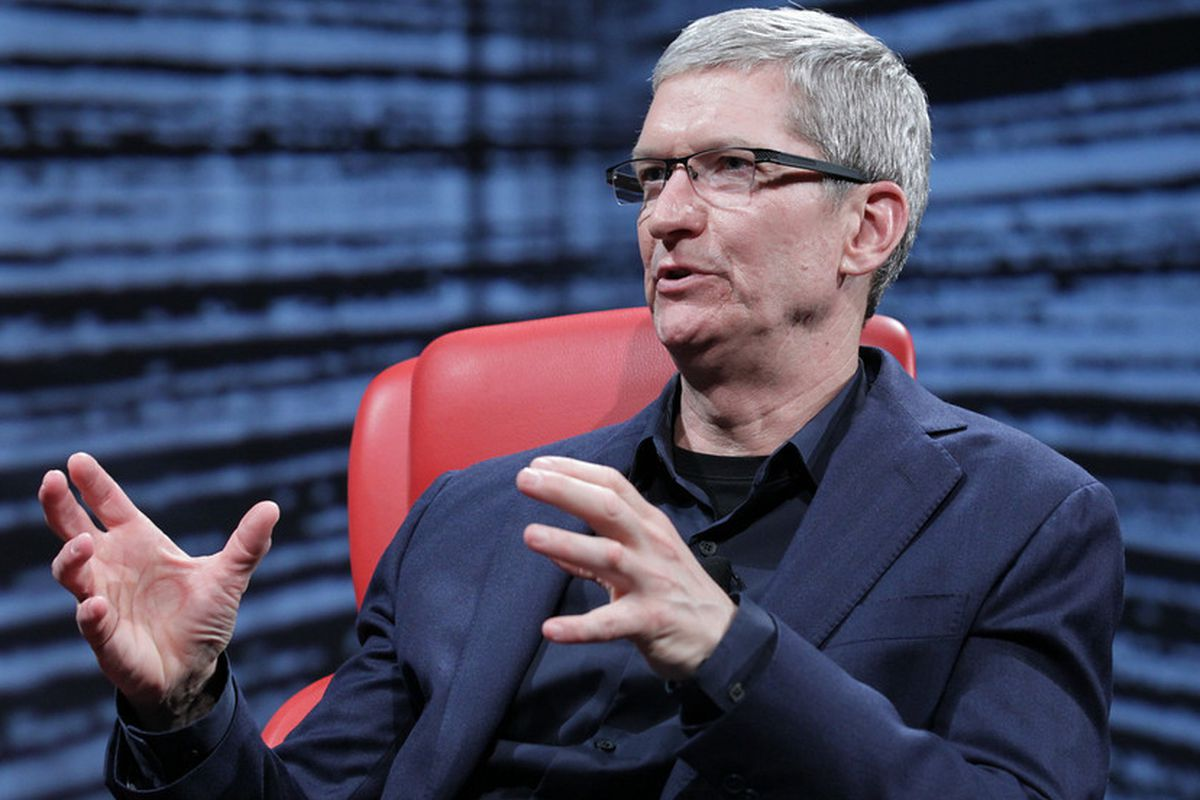 "Apple CEO Tim Cook Says He Is ""Proud to Be Gay"""