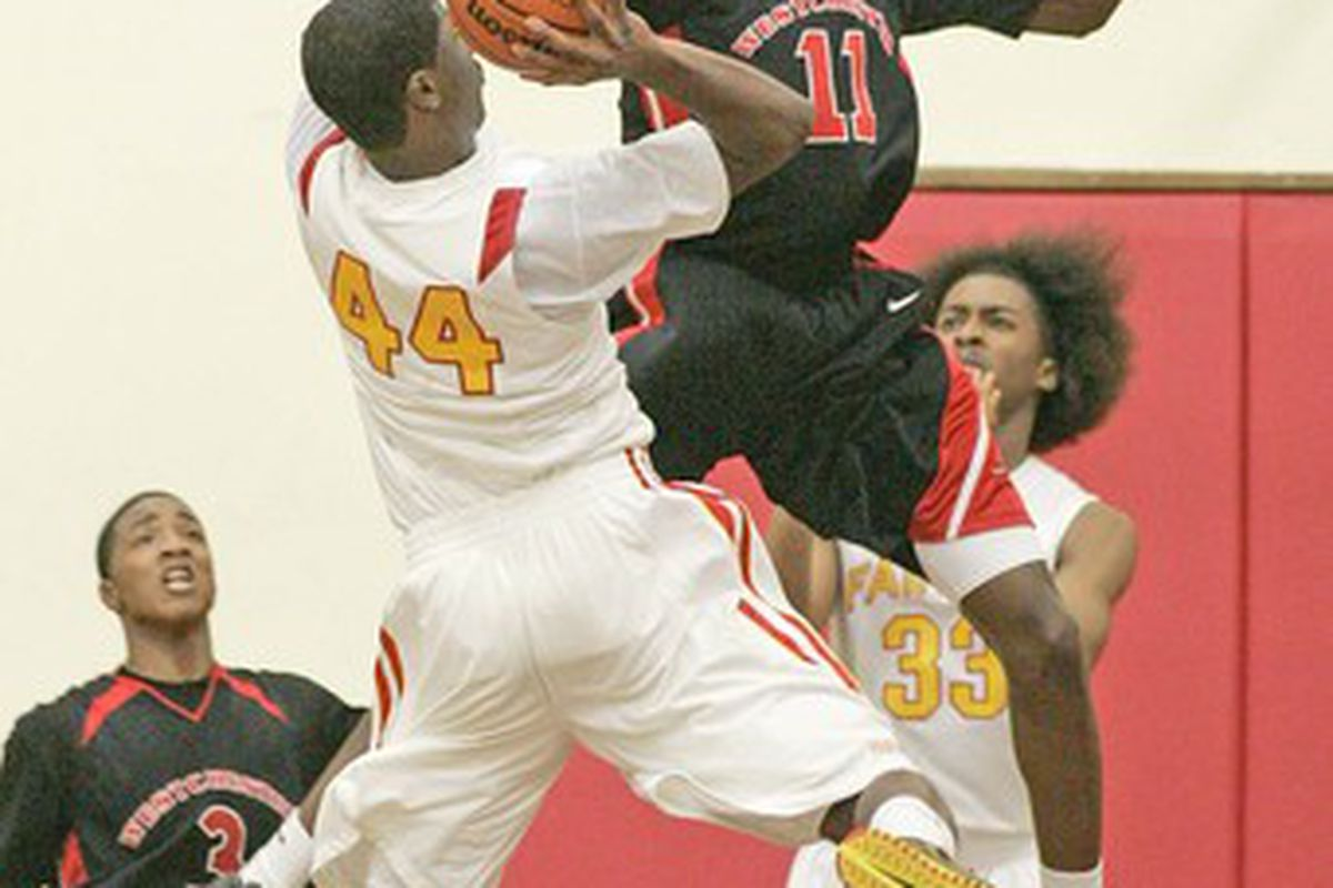 """Dwayne Polee officially visited UTEP last week.  Can Tim Floyd land the L.A. star over  St. Johns and Georgia? via <a href=""""http://www.latimes.com/media/photo/2009-01/44568658.jpg"""">www.latimes.com</a>"""
