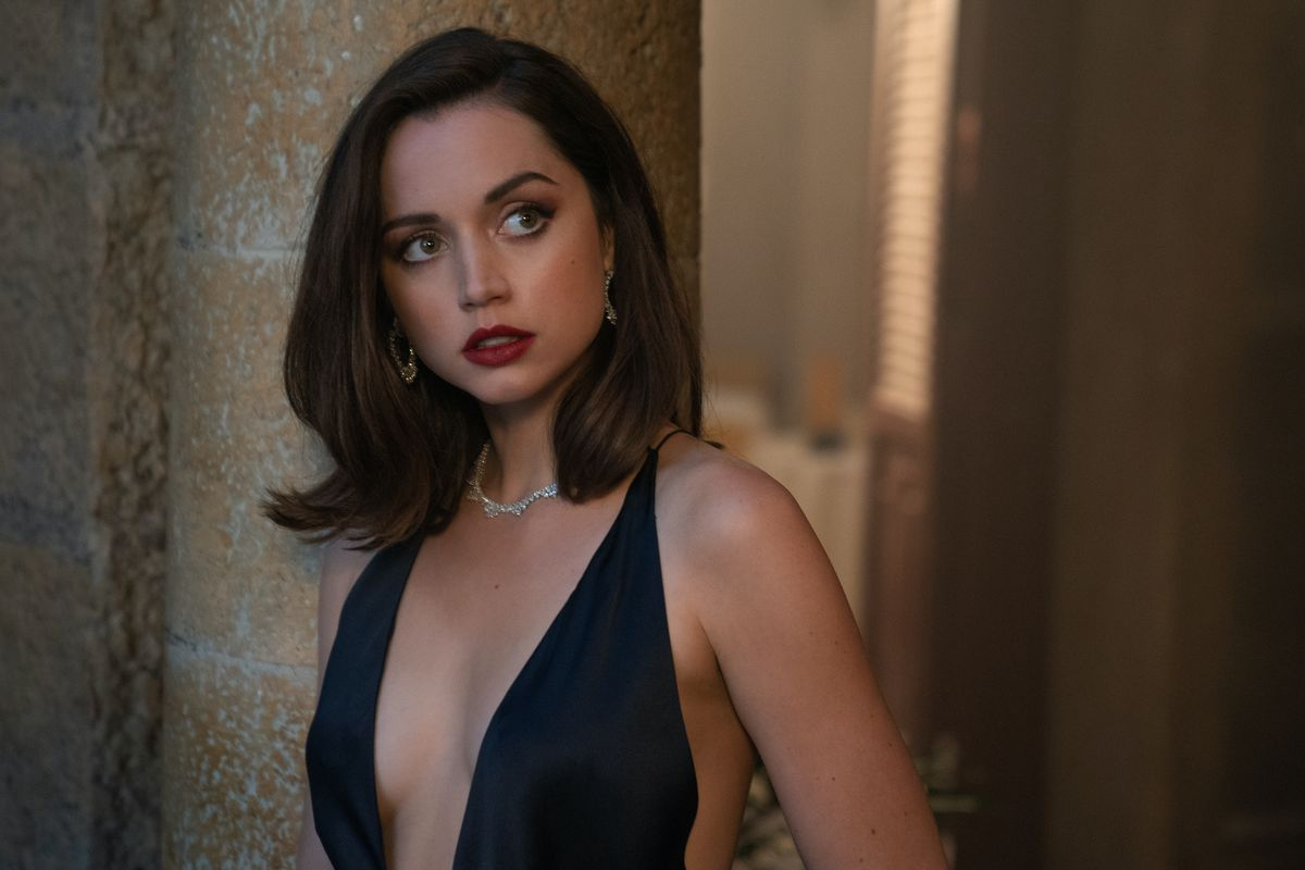 """Ana de Armas, in an extremely tiny dress, gives the camera a """"Yes, I'm the best thing about the James Bond movie No Time To Die, thanks"""" look"""