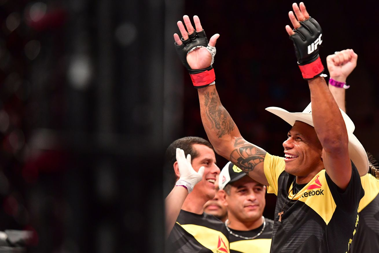 community news, Knockout! Watch Alex Oliveira score walk off knockout over Ryan LaFlare at UFC on FOX 25