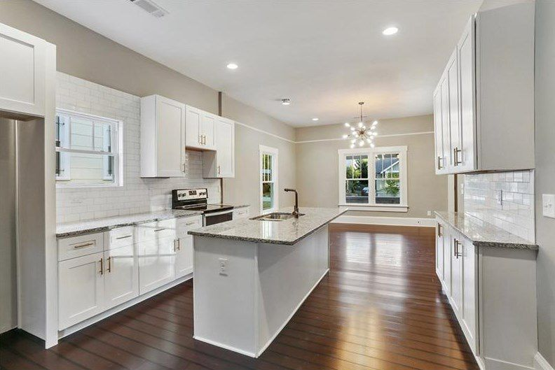 Incredibly Charming Capitol View Bungalow Seeks 280k Following