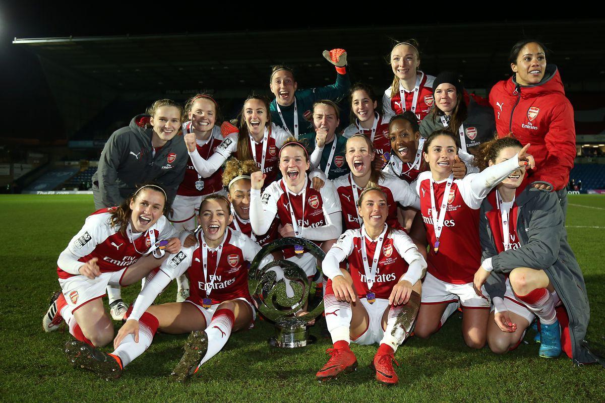 Arsenal Women v Manchester City Women - Continental Tyres Cup Final - Adams Park