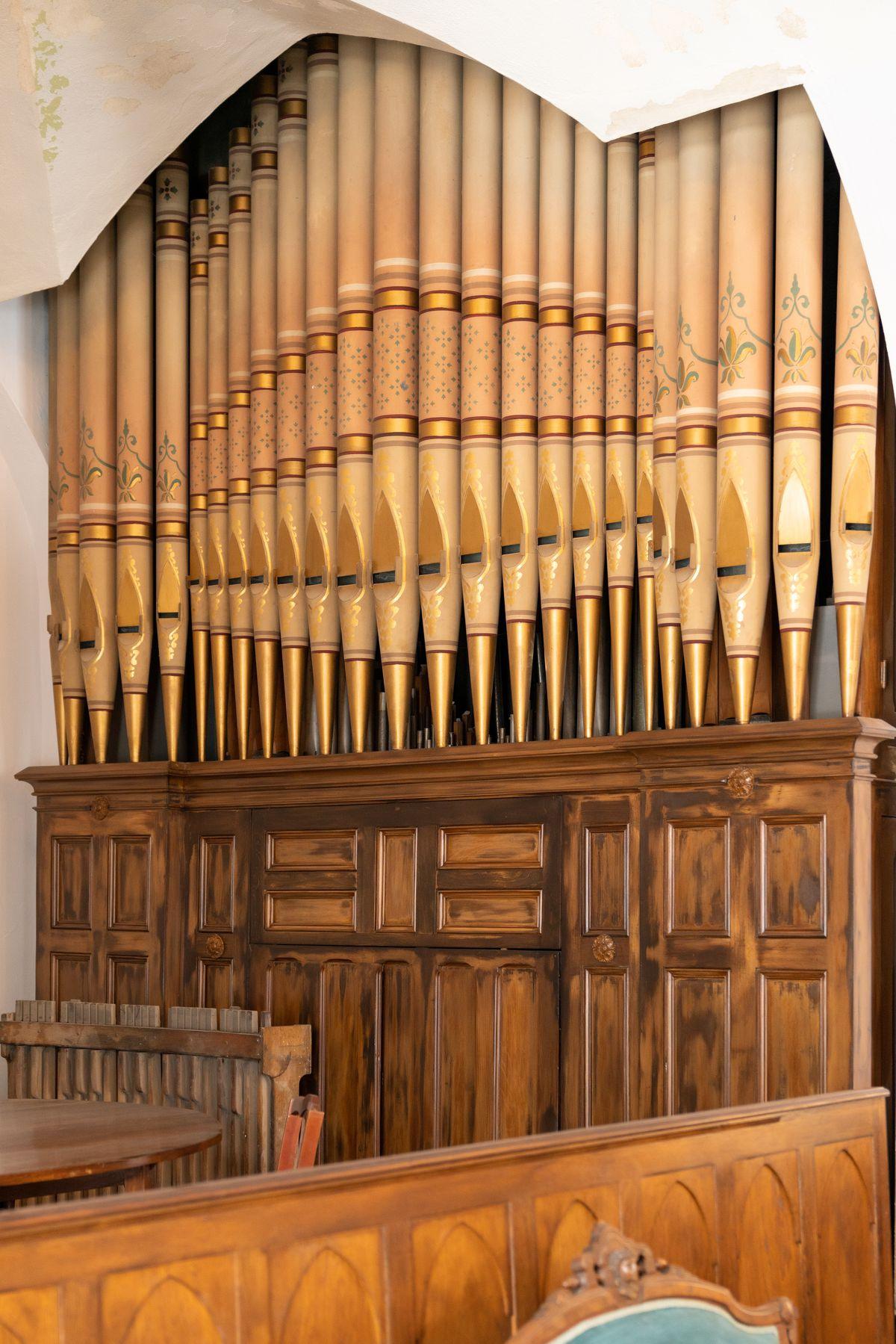 A pipe organ.